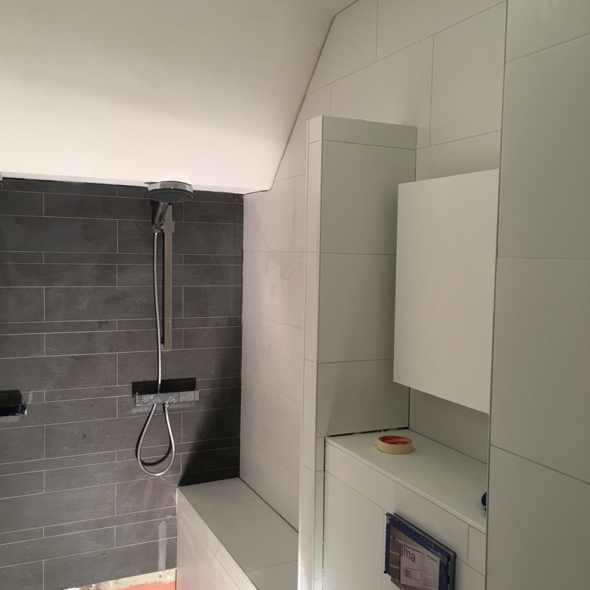 Badkamer en wc verbouwing in Leiden, gedaan door BMR in Leiden - WWWaar